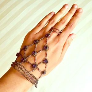 Jewelry - 2 of 2 NWOT festival chic hand piece